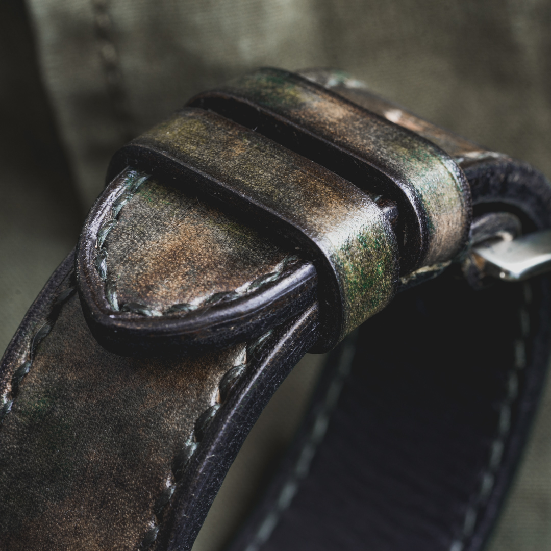 """CAMOUFLAGE"" HAND-DYED COWHIDE LEATHER STRAP, WOODLAND CAMO (for appleWatch)"