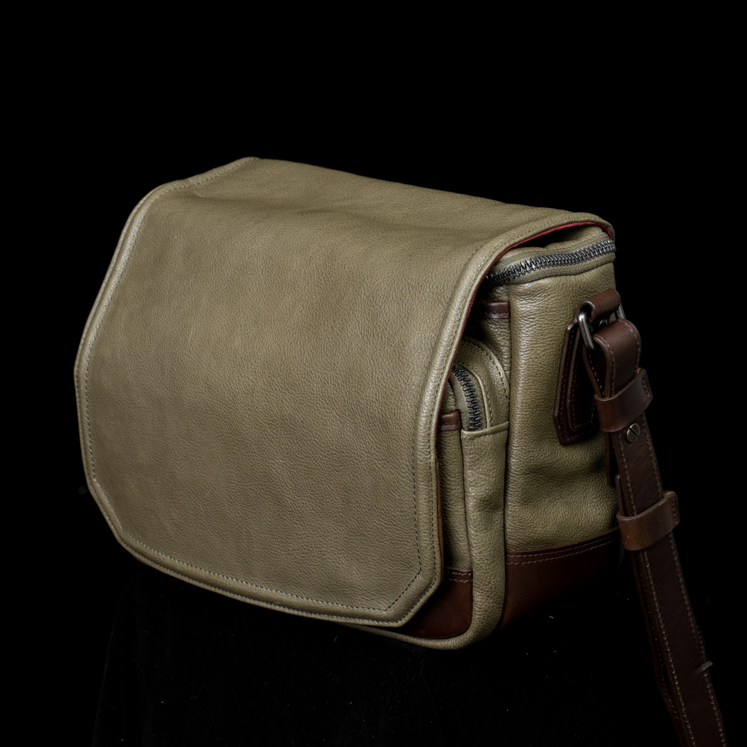 """RYKER"" FULL LEATHER CAMERA BAG (M) - 60 days preorder"