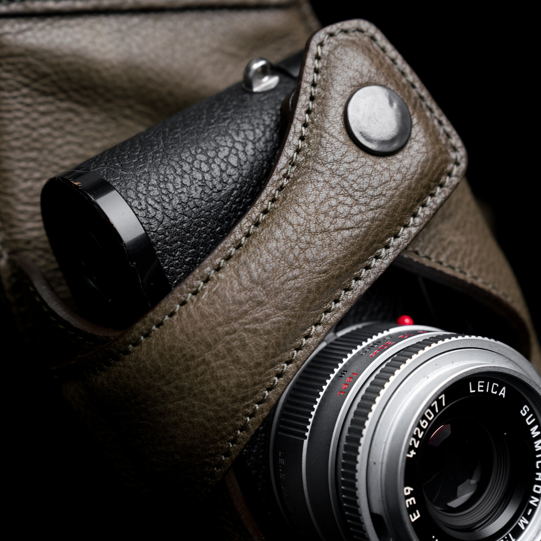 """PYTHON"" FULL LEATHER CAMERA HOLSTER"
