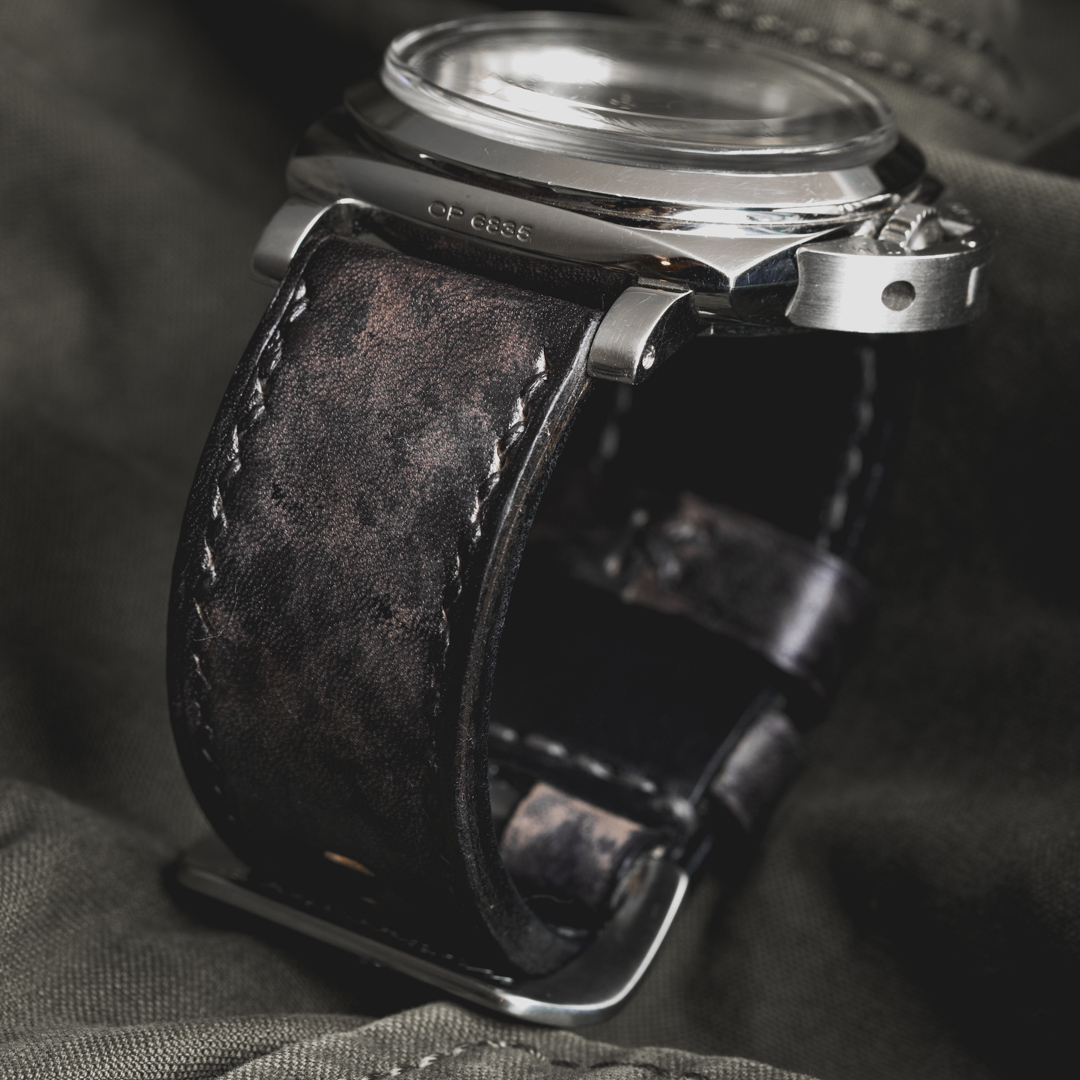 """CAMOUFLAGE"" HAND-DYED COWHIDE LEATHER STRAP, STONE GREY (for Panerai)"