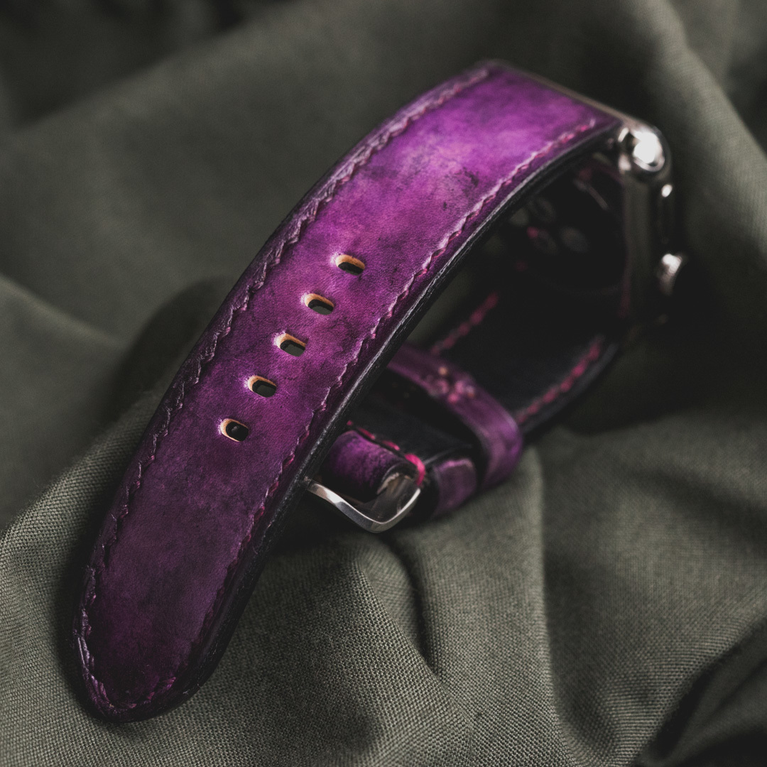 """CAMOUFLAGE"" HAND-DYED COWHIDE LEATHER STRAP, MYSTIQUE PURPLE (for appleWatch)"