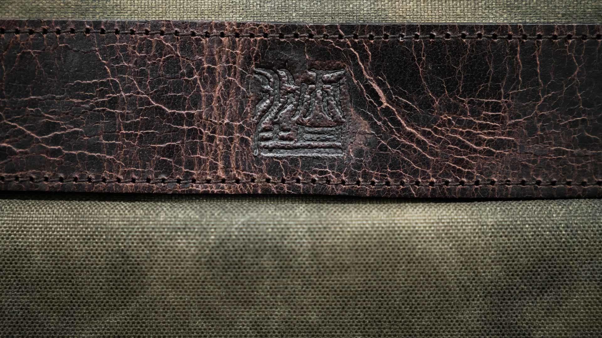 Bag logo.