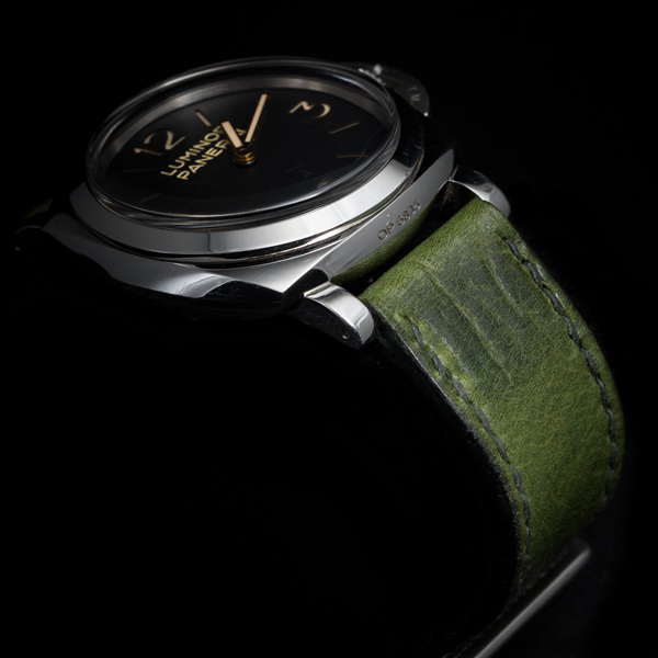 ANILINE COWHIDE STRAP, CREASED (Swamp green, for Panerai)