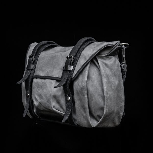 """TROOPER"" CORDURA ® NYLON CAMERA BAG (size M) (45-day preorder)"