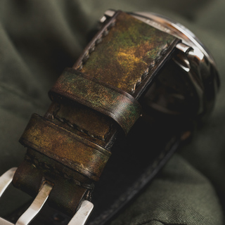 """CAMOUFLAGE"" HAND-DYED COWHIDE LEATHER STRAP, WOODLAND CAMO"
