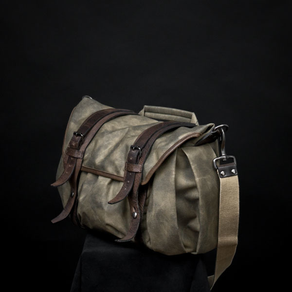 """TROOPER"" CORDURA ® NYLON CAMERA BAG (size M)"