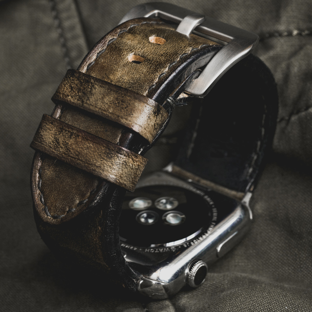 """CAMOUFLAGE"" HAND-DYED COWHIDE LEATHER STRAP, SWAMP GREEN (for appleWatch)"